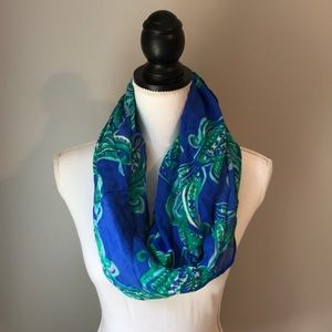 Lilly Pulitzer Riley infinity Scarf she got sole
